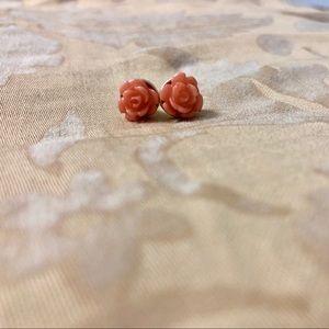 Jewelry - BUNDLE FOR FREE Cute flower studs